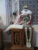 Sitting up prim & proper